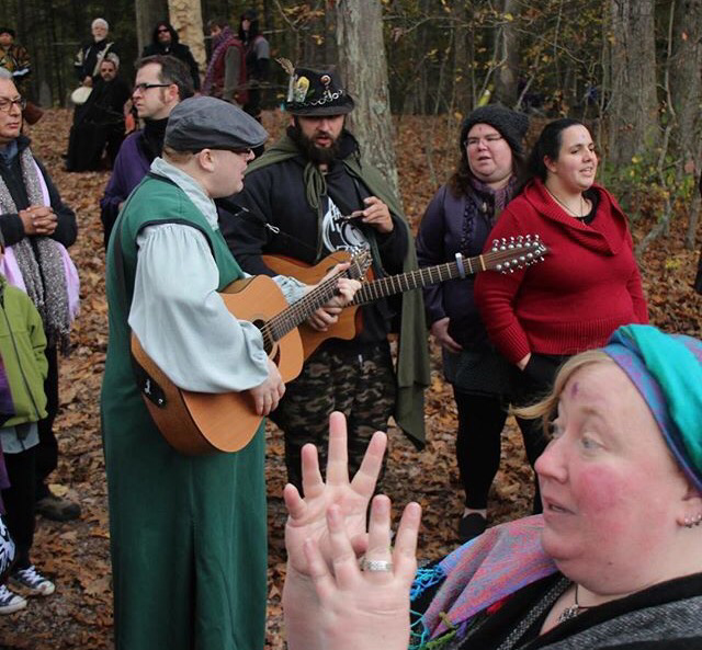 A wiccan wedding what is it and how does it work junglespirit Image collections